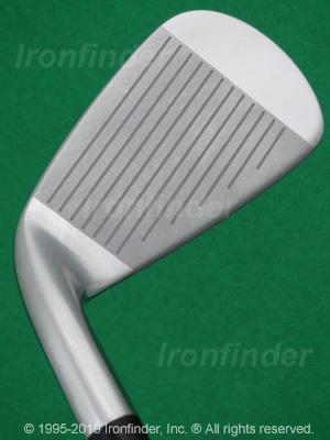 Face side of Mizuno MX-950 Irons head