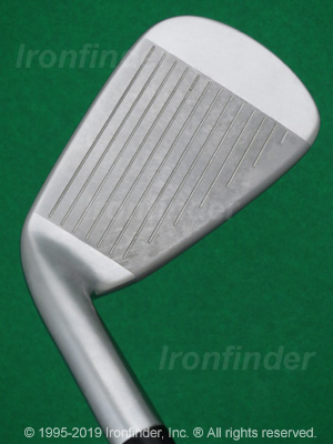 Face side of Mizuno JPX 800 Irons head