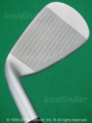 Face side of Mizuno JPX 900 HOT METAL Irons head