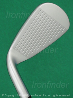 Face side of Mizuno JPX 921 HOT METAL Irons head